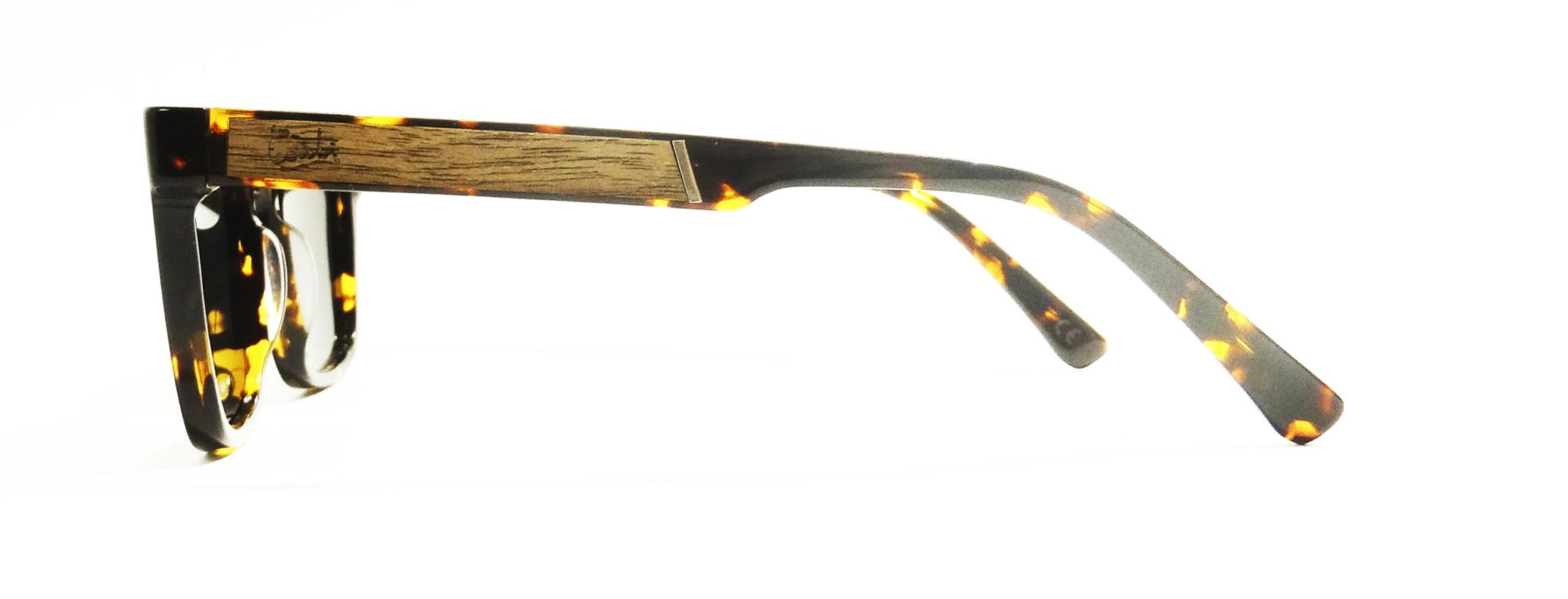 17212970-226c-gafas-de-sol