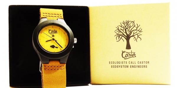 4ff46cee-05a-small-light-bamboo-watch